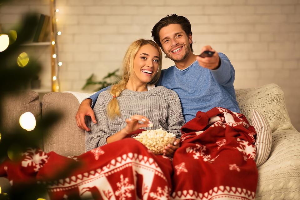 How to Save Money This Christmas: 7 Money-Saving Tips for the Holiday Season