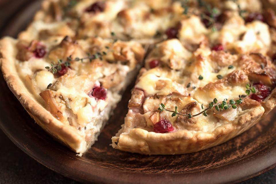 Thanksgiving Leftovers Pizza: You Will Never Look at Turkey Leftovers the Same Way Again