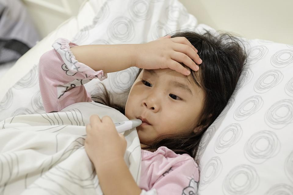 Influenza B Strain of Flu Virus Makes Early Arrival This Flu Season: How to Protect Your Kids & Family