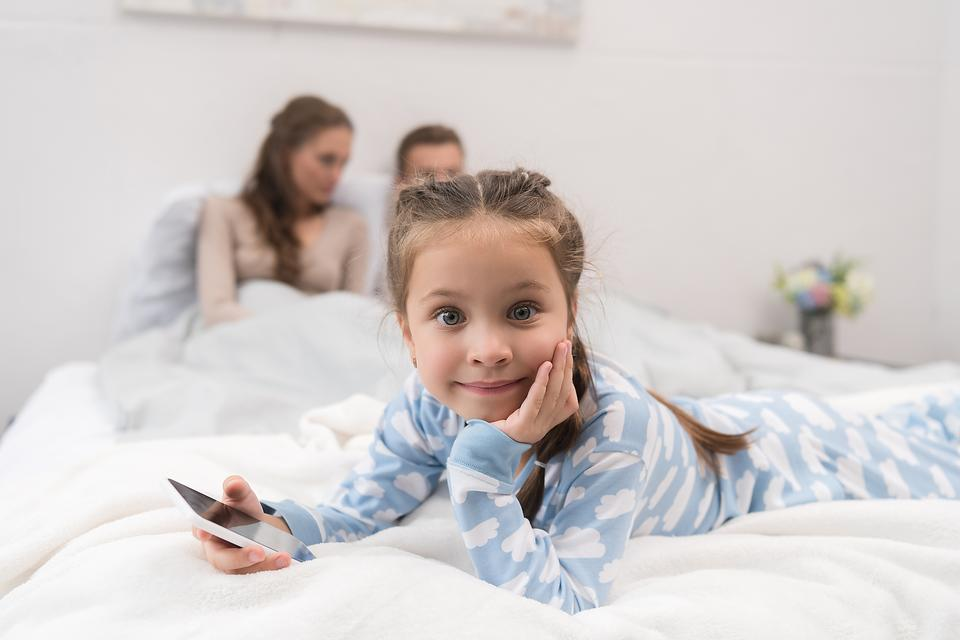 Is Your Kid Addicted to Smartphones & Video Games? Here's How to Build a Family Media Plan