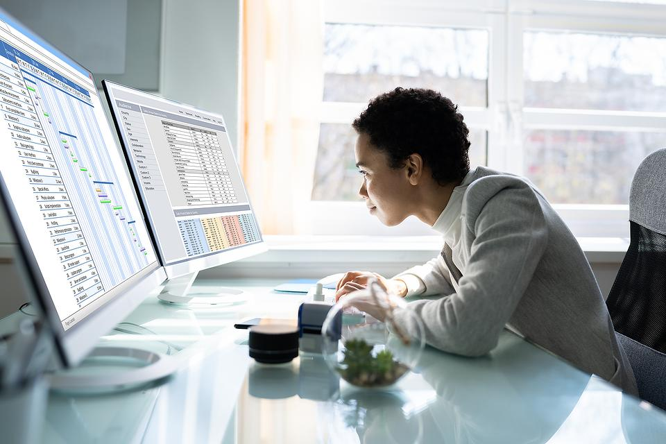 Is Your Posture Affecting Your Productivity At Work? 3 Tips to Help Fix Bad Posture