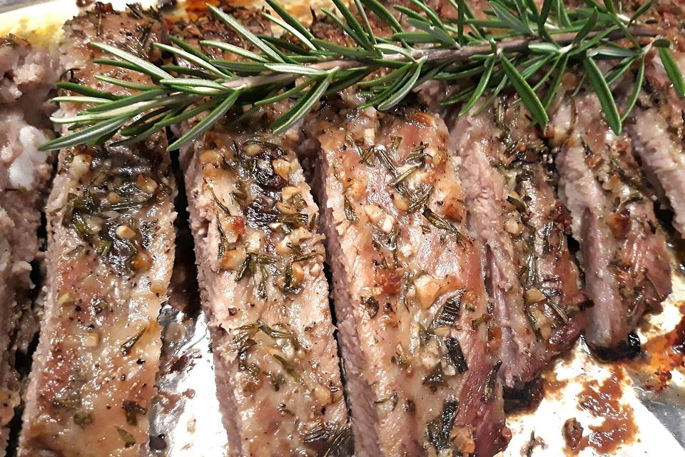This Oven-Baked Garlic & Rosemary Pork Ribs Recipe Will Make Your House Smell Like Heaven