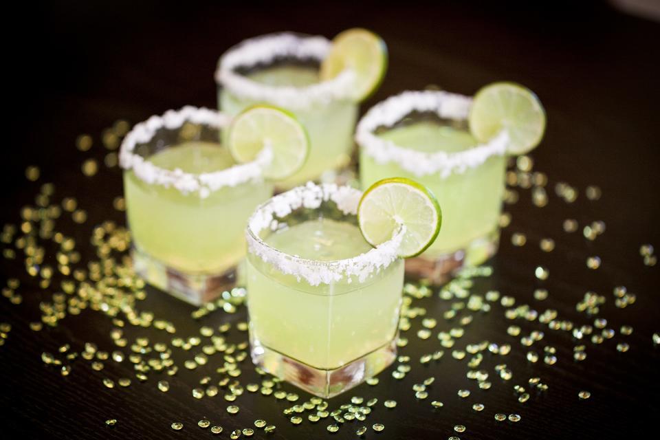 It's 'Rita Time! How to Make Slim & Sparkling Lemon-Lime Margaritas!