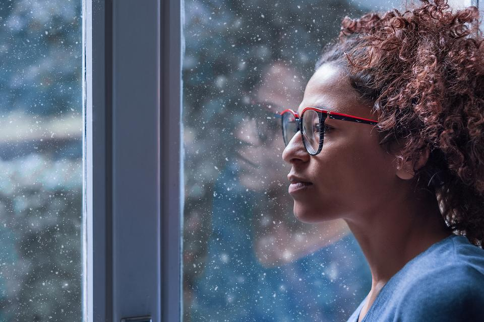 Winter Mood Issues: Here Are 10 Signs to Watch For That May Point to Seasonal Affective Disorder