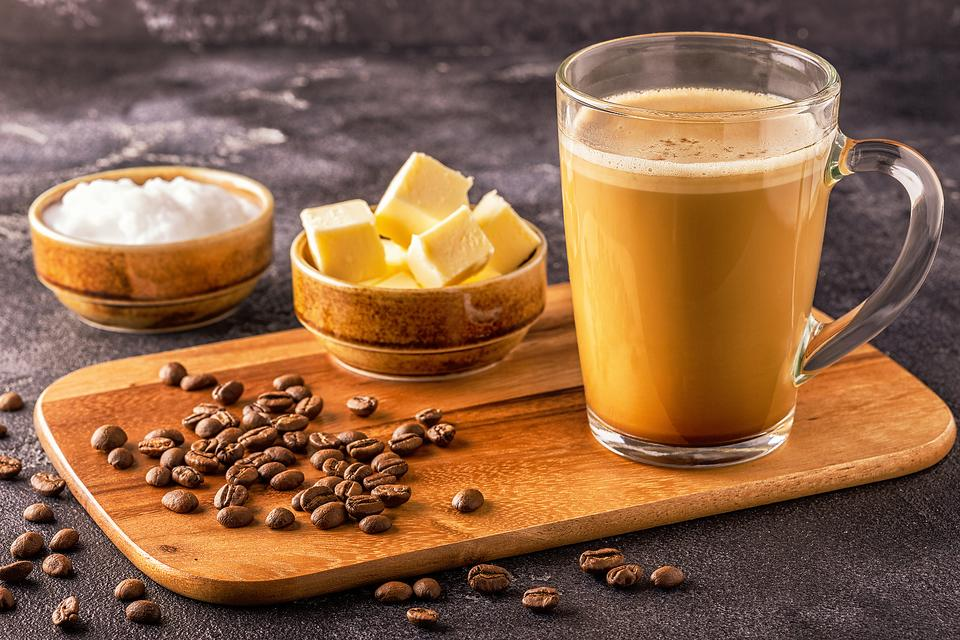 Keto Coffee Recipes: 2 Ways to Make Bulletproof Coffee for Your Ketogenic Diet