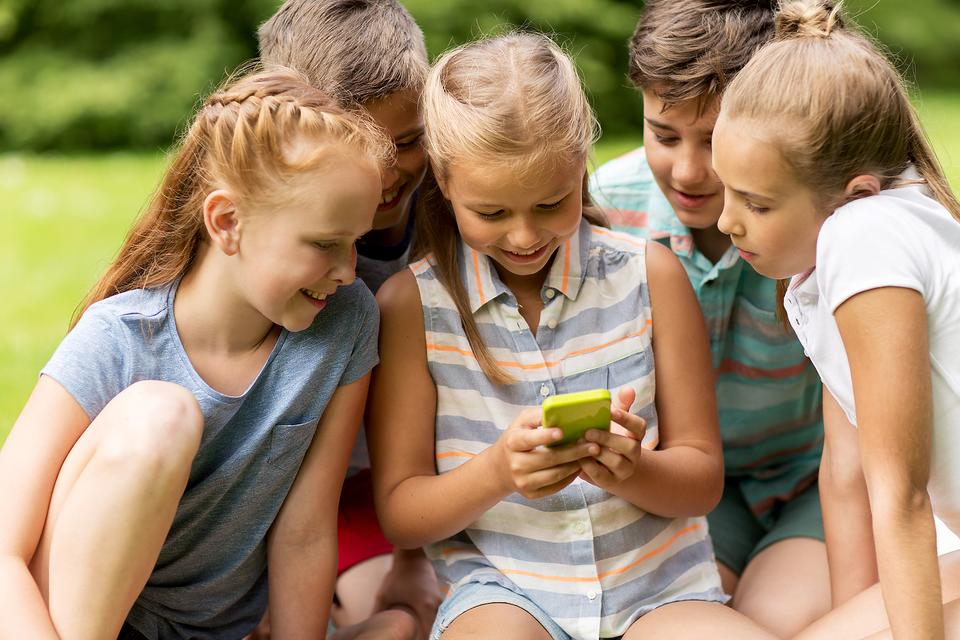 Kids Are Sharing Their Social Media Passwords (Especially Girls): Here's Why You Must Stop It!