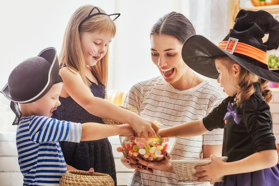 Kids, Candy & Halloween: How to ​Manage Candy Consumption During the Halloween Binge