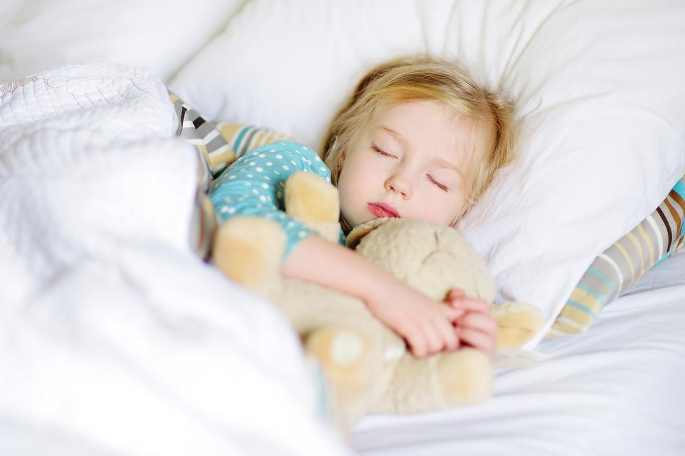 Kids & Sleep: 3 Ways to Help Kids Wind Down & Get Into Bedtime Sleep Mode