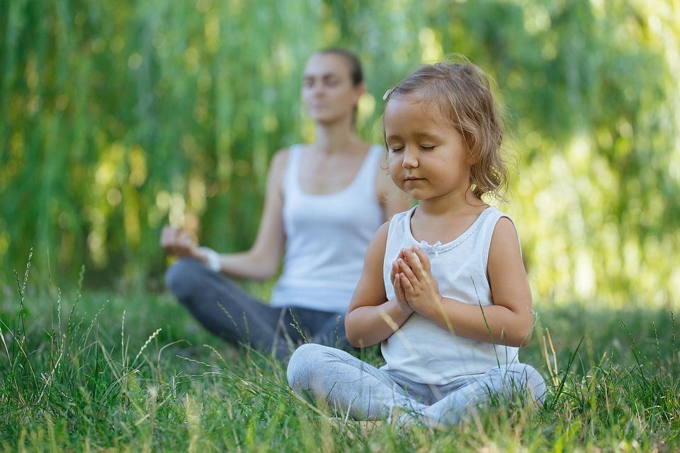 Kids That Meditate: How & Why I Teach Meditation to My 5-Year-Old Daughter