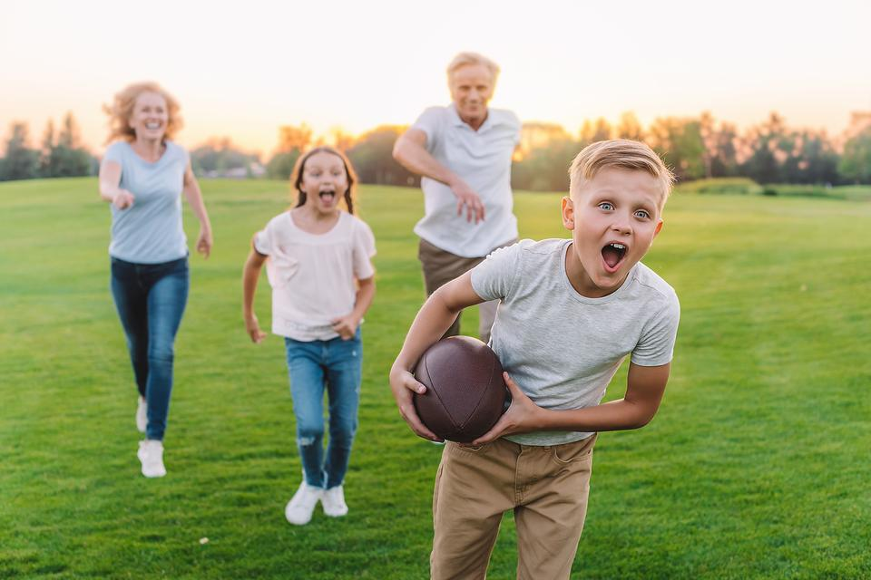 Knee Injuries: Preventing Injury During Your Turkey Day Football Game!