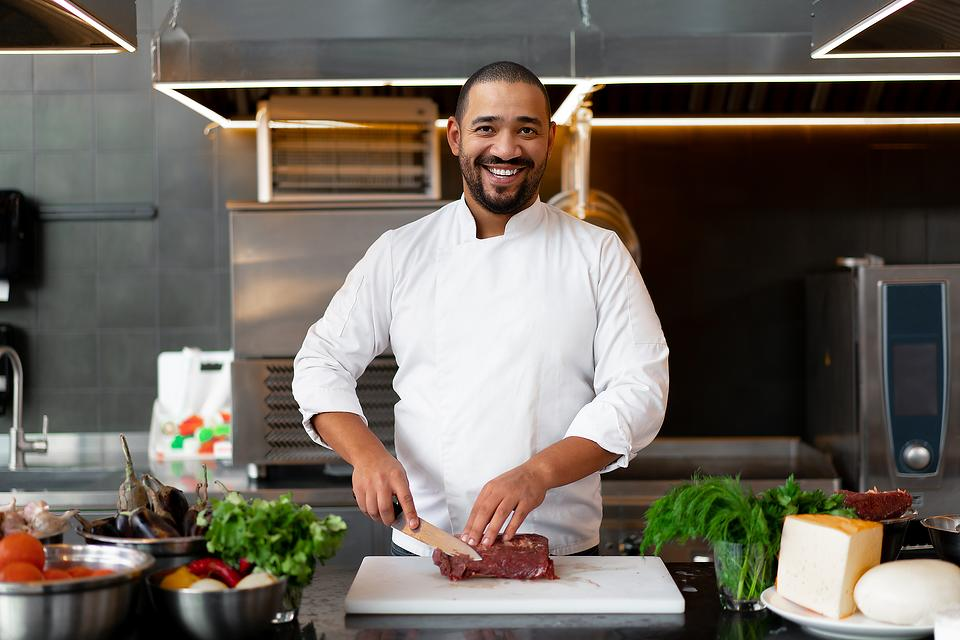 Knife Tips From Professional Chefs: 3 Ways to Save Your Knives While Cooking Like a Pro
