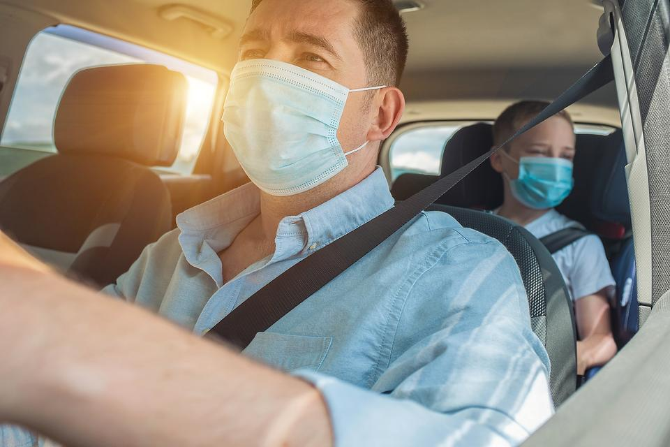 Traveling to Grandma's House During the Pandemic: Know Your Thanksgiving Travel Risk This Year