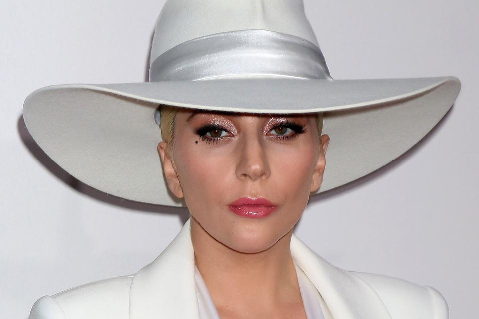 Lady Gaga & Jessica Alba Swear By a Gluten-Free Diet, But Should You?