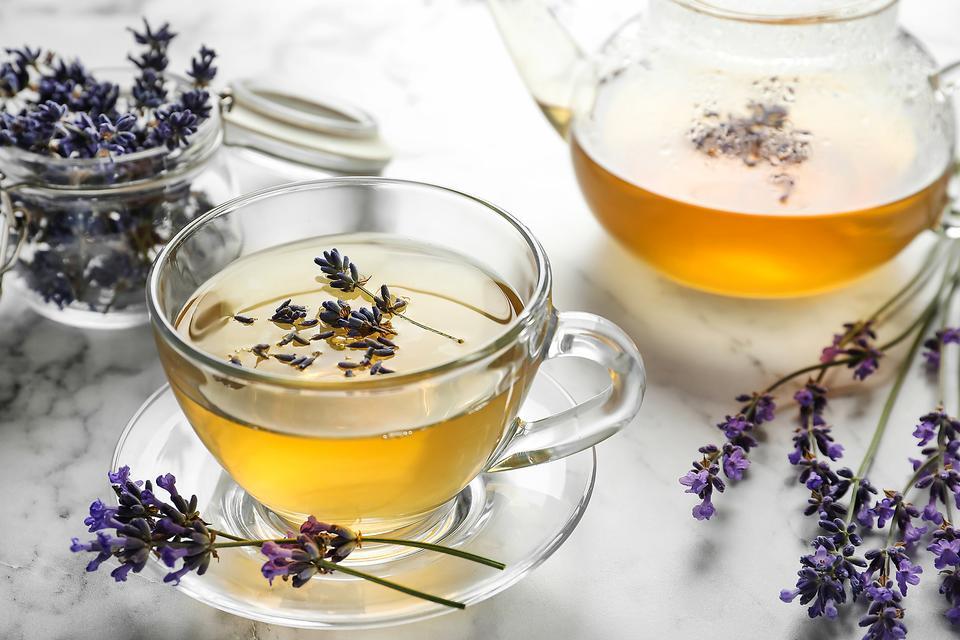 Lavender Tea Recipes: How to Make Hot & Cold Brewed Lavender Tea