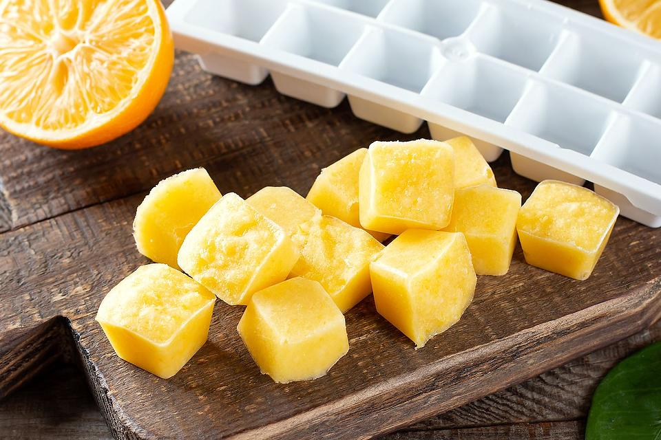 Lemon Ice Cubes Recipe: 2 Ways to Make Lemon Ice Cubes for Your Lemon Water & Other Drinks