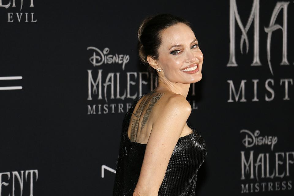 Angelina Jolie's Everlane Face Mask: Why We Should All Channel This Actress & Humanitarian During the Coronavirus Pandemic