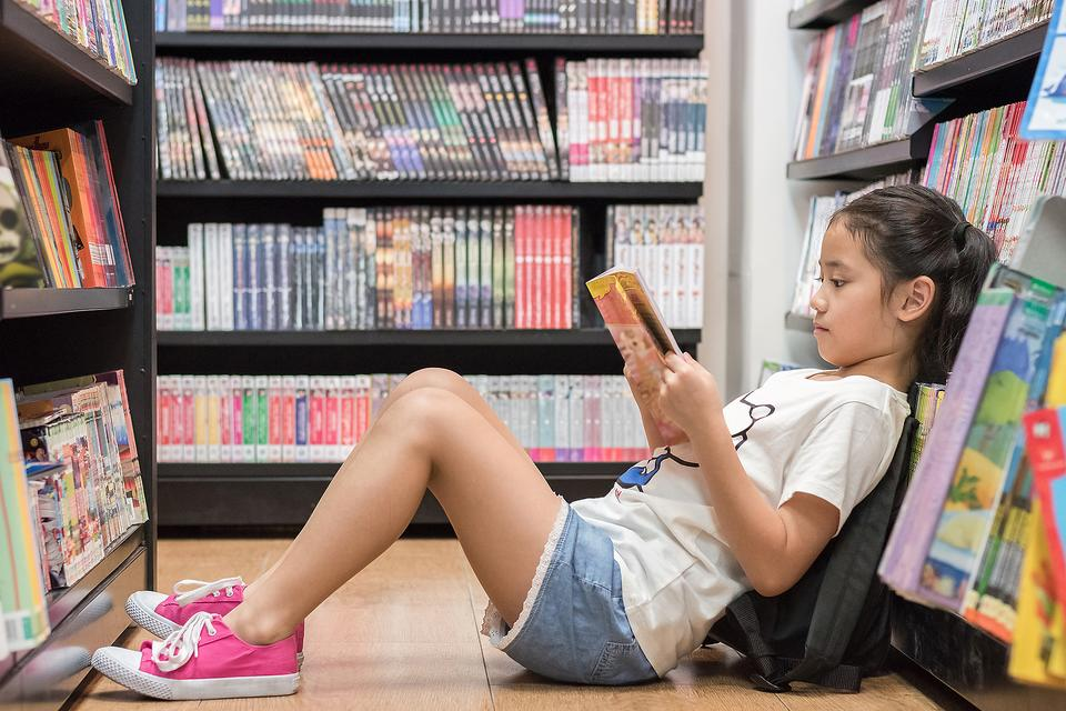 Library Cards: Here Are 8 Reasons Why Your Family Needs One Now!