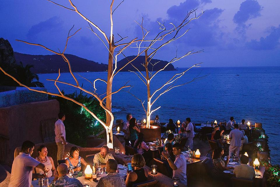 Mar Y Cielo Restaurant in Zihuatenejo, Mexico: The Most Romantic Dinner in the World