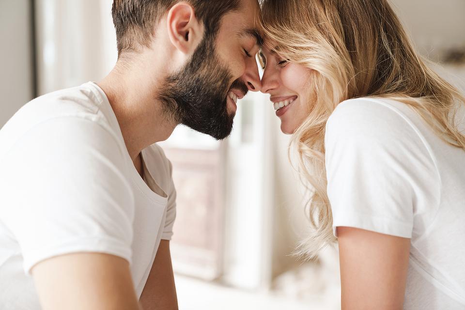 Marriage & the Coronavirus Pandemic: 11 Tricks That Are Saving Relationships During Quarantine
