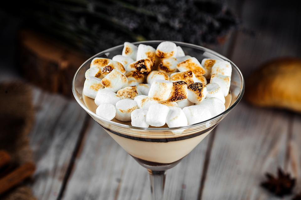 S'mores Chocolate Marshmallow Martini Recipe: Vodka Meets Dessert in This Creamy Cocktail Recipe