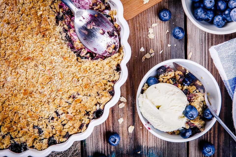 Meghan Markle's Ginger Berry Crumble: There's a Rumble Over This Royal Crumble!