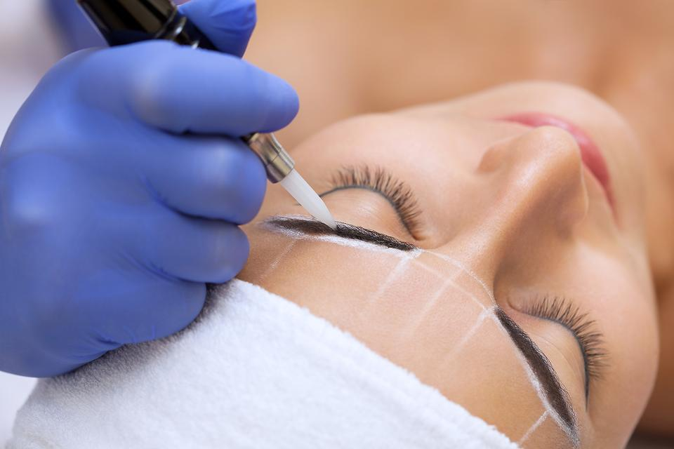 Microblading: Before You Beef Up Those Thin Eyebrows, Here's What You Need to Know