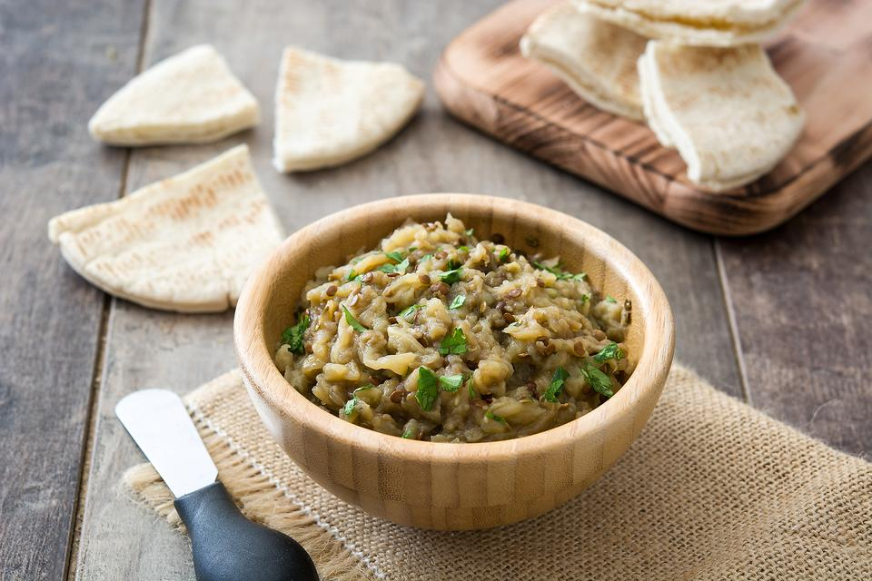 Baba Ganoush: This Eggplant Dip Is a Quick & Healthy Snack