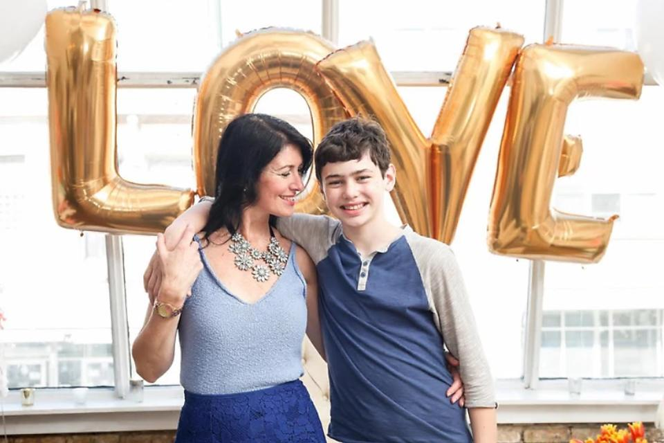 Mother's Day Soiree Photo Shoot: 5 Ways to Celebrate Mom in Style