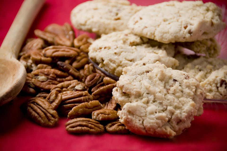 This Butter Pecan Cake Mix Cookies Recipe Couldn't Be Easier!