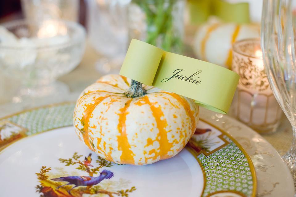 Need a Budget-Friendly Fall Tablescape? Try This Simple & Elegant Idea!