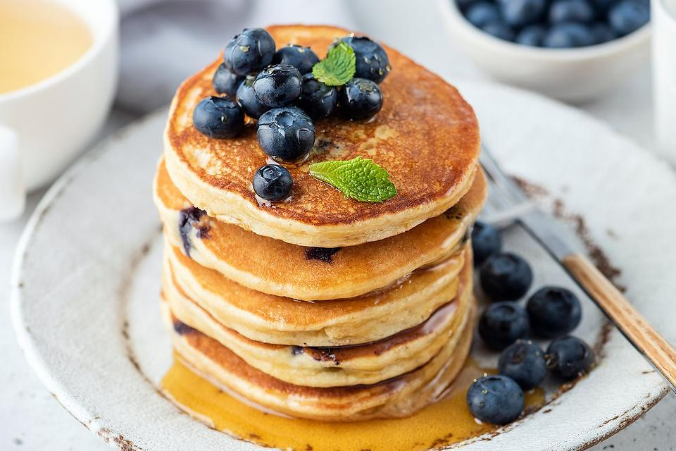 Old-fashioned Blueberry Pancakes Recipe: You Can't Go Wrong With This Easy Pancake Recipe