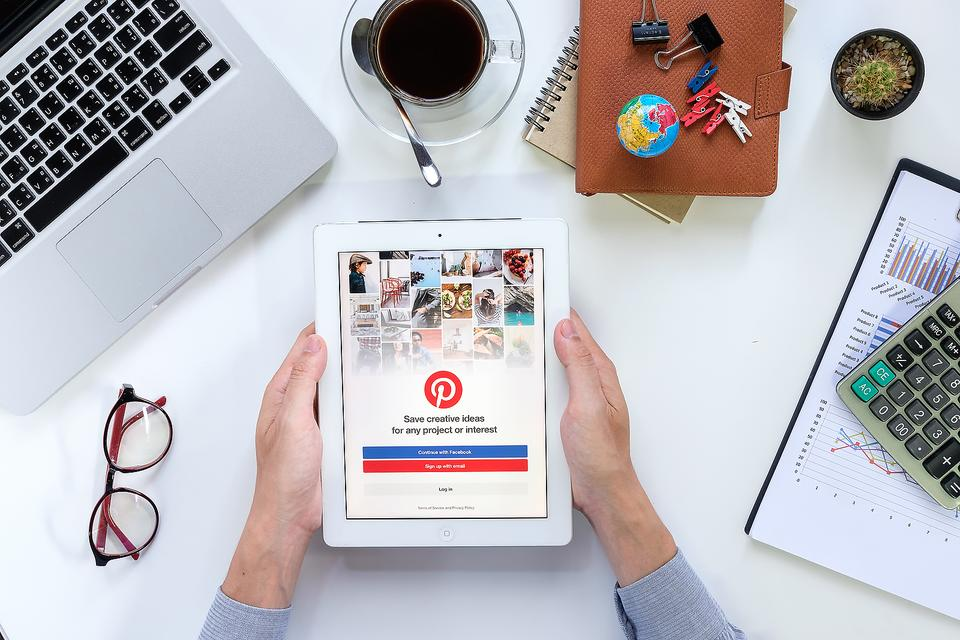 Pinterest: Why Entrepreneurs, Bloggers & Business Owners Must Utilize This Social Media Outlet!