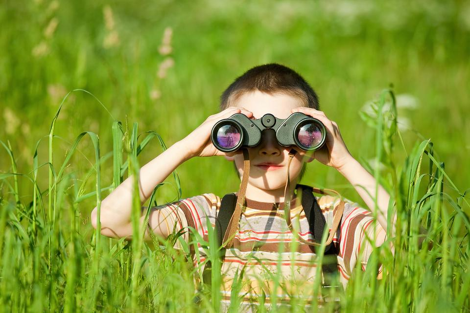"Developing Kids' Comprehension & Language Skills: Why You Should Play ""I Spy!"""