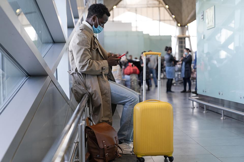Post-Pandemic Travel Resurgence: 4 Tips From a Doctor on Safer Travel After COVID-19