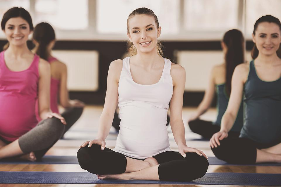 First Trimester Prenatal Yoga: 6 Things Moms-to-Be Need to Know