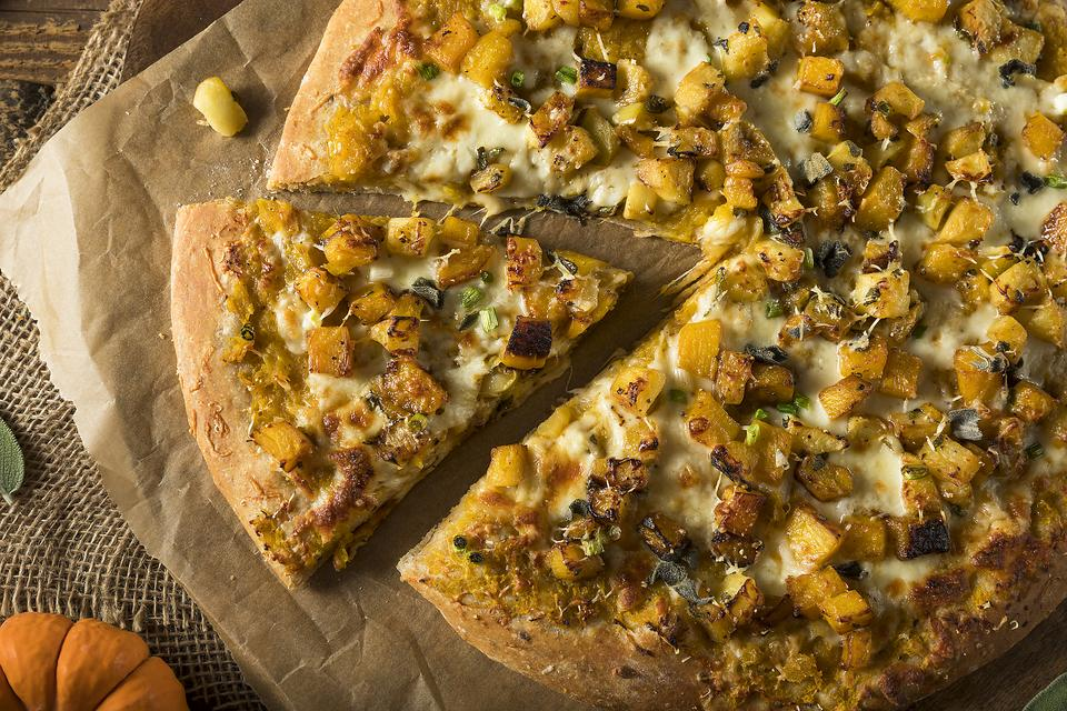 Pumpkin Pizza? Yep, Here's the Easy Recipe (Make It Halloween Night)!