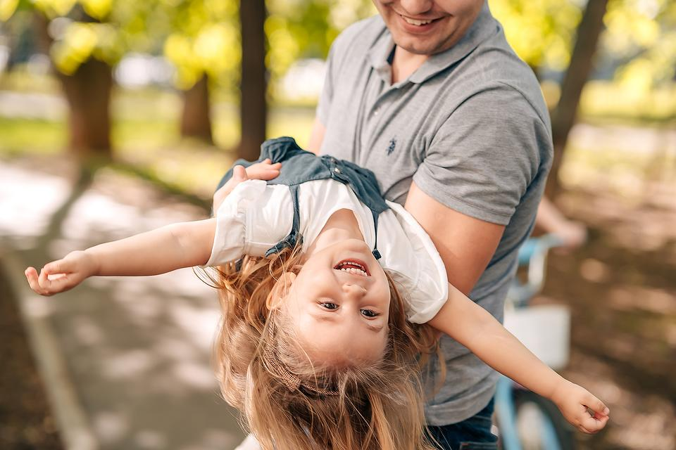 """Expert Q&A: Can Roughhousing Go Too Far When Dad """"Plays Rough"""" With His Young Daughter?"""