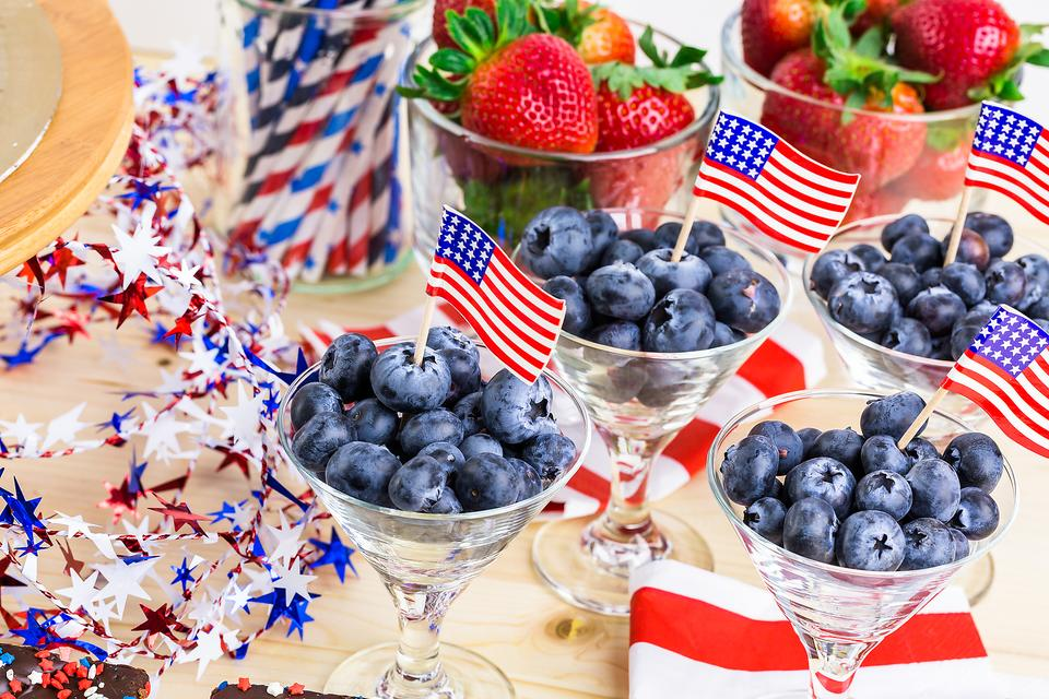 Red, White & Berry: How to Make a Quick & Healthy Patriotic Snack!