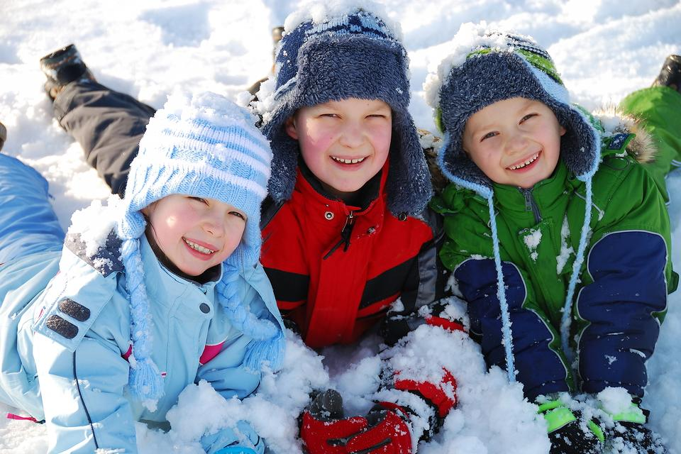 Ready for Winter Break, Mom & Dad? Here Are 11 Positive Activities to Keep Your Kids Busy