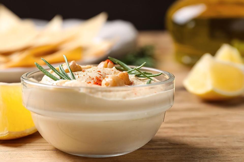 Rosemary Lemon Hummus Recipe: This Lemon & Rosemary Hummus Recipe Will Wake Up Your Taste Buds