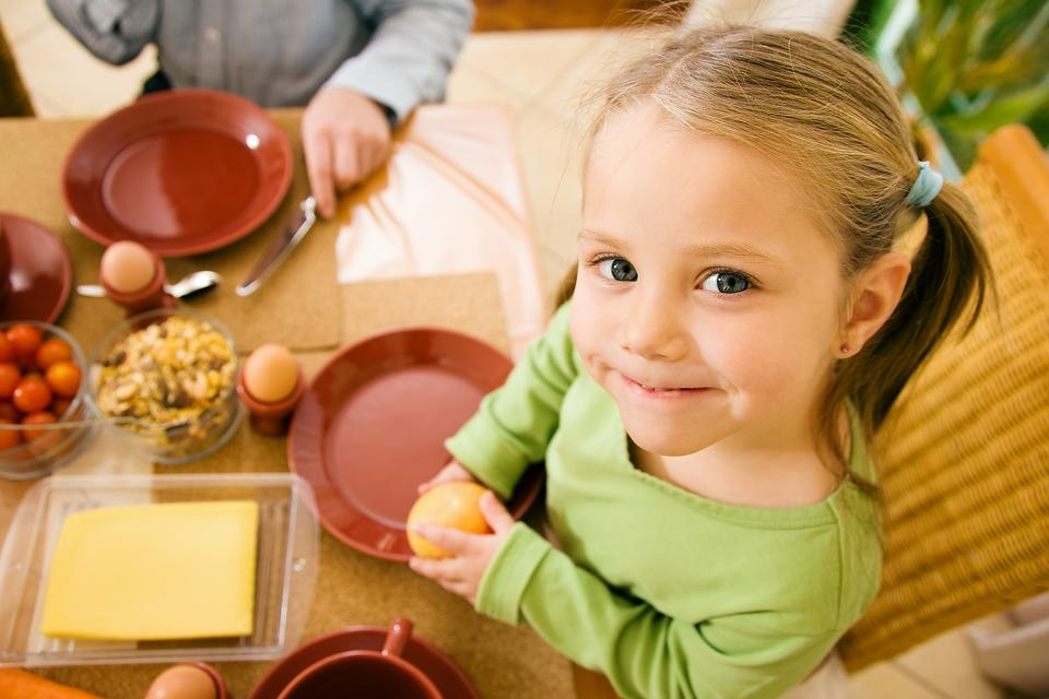 Serve Dinner Family Style: 2 Reasons Why It Should Help Your Picky Eater!