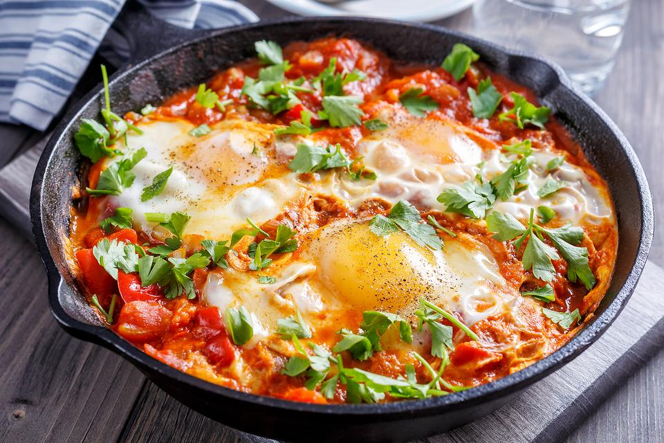 Shakshuka: Poached Eggs in Tomato Sauce Is the Hip New Egg Dish in Town