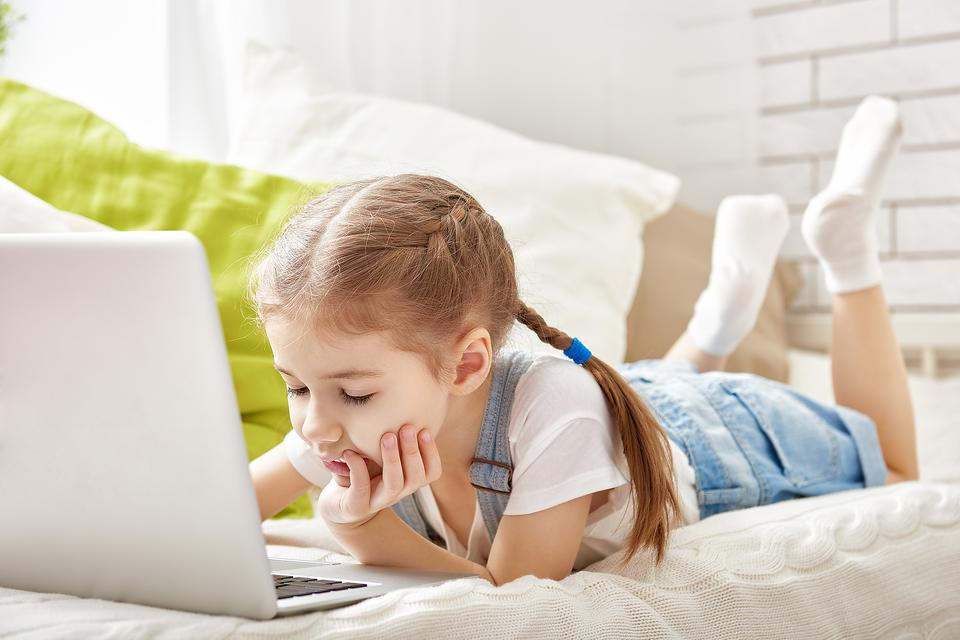 Should Parents Give Kids a 2-Minute Warning That Tech Time is About to End? The Answer May Surprise You!