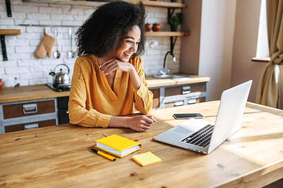 Side Hustle Help: Here Are 5 Myths & Misconceptions About Starting a Side Hustle for Extra Money