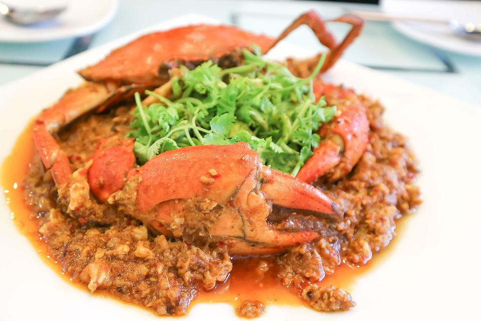 Singapore Chili Crab Recipe: Step Outside the Box & Make This Sweet & Spicy Chili Crab Recipe