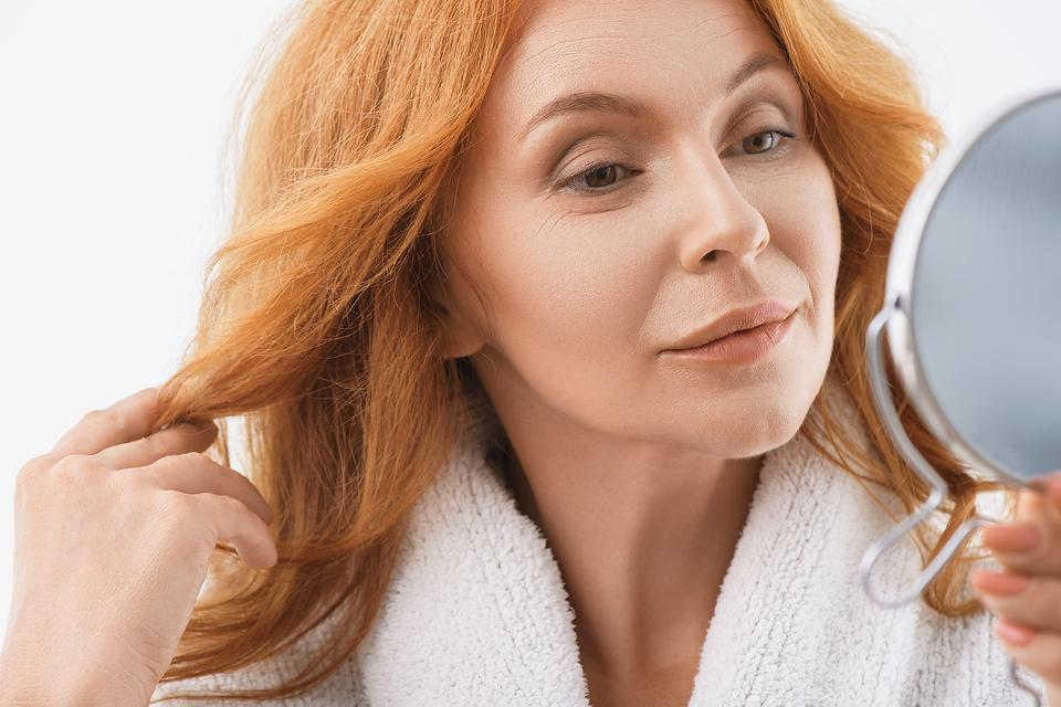 Skin Changes As You Age: 6 Skincare Tips Older Women Need to Know!