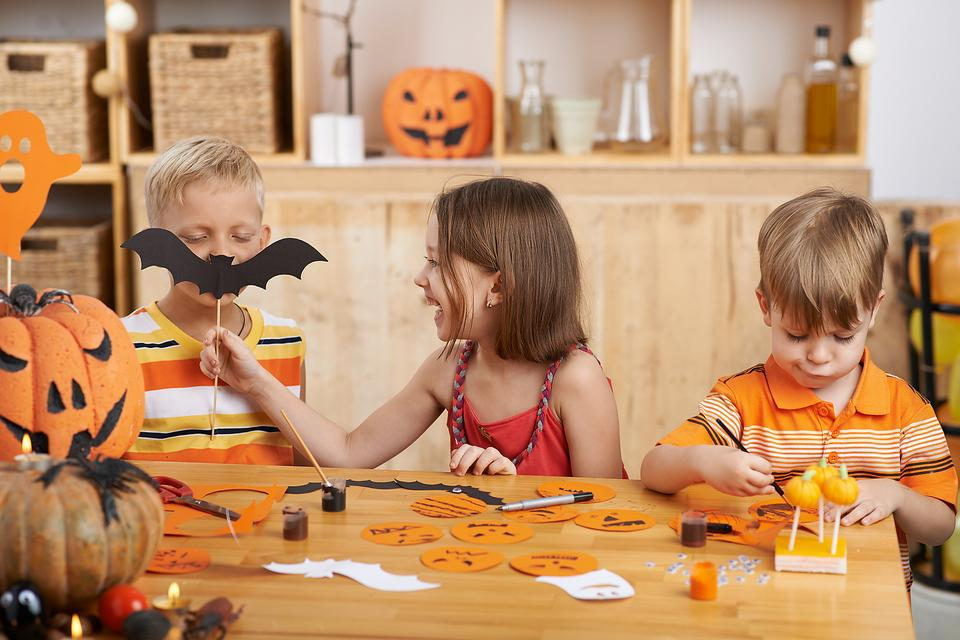 Skip the Sugar! 5 Dentist & Kid-Approved Halloween Ideas!