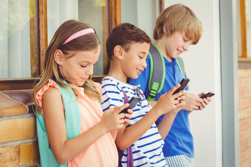 Smartphones Are Like Crack Cocaine for Kids: They Should Be Banned in Schools! (What Do You Think?)