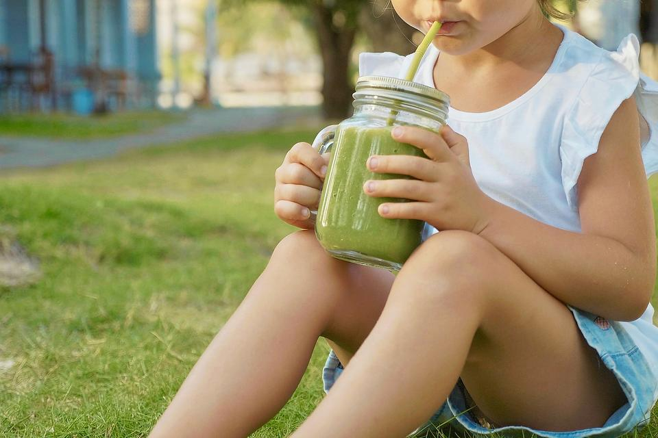 Healthy Snack Ideas for Kids: 6 Quick & Nutritious Snacks Kids Will Love
