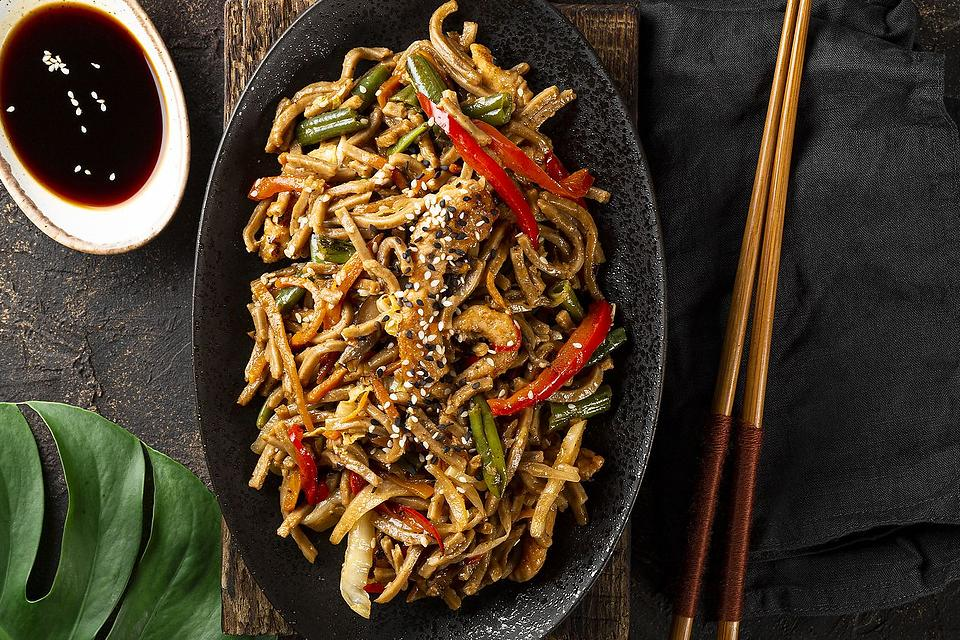 Quick Soba Noodles Recipe With Chicken & Vegetables: 20-Minute Japanese Stir-fry Recipe